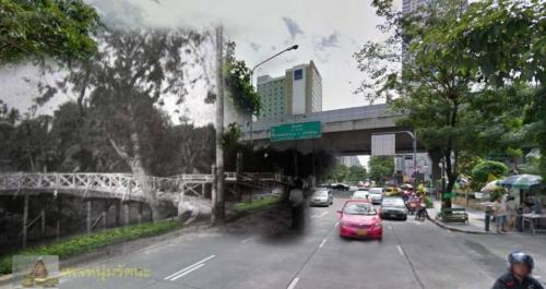 ไทยในอดีต_ถนนสีลม หน้าโรงพยาบาลเลิดสิน ด้านหนึ่งเป็นคลองสีลมครับ