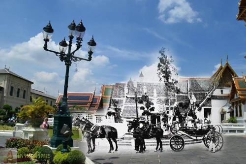 ไทยในอดีต_รถม้าพระที่นั่งพร้อมด้วยสมเด็จพระพันปีหลวง หน้าพระมหามณเฑียร