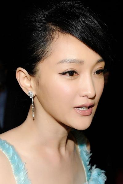นางเอกจีน แพง ที่สุด ค่าตัว_Zhou-Xun5