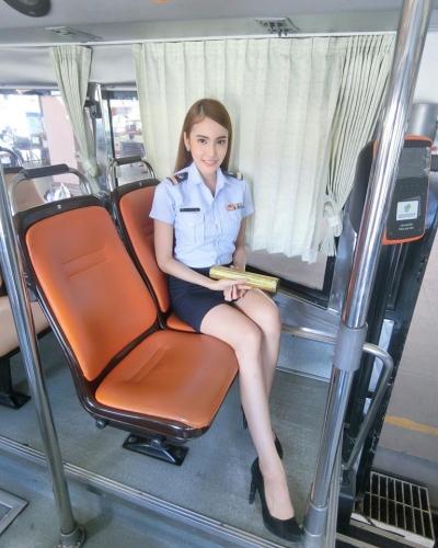 กระเป๋ารถเมล์ สวย_21766711_10212831389312395_8889885943174792390_n