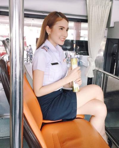 กระเป๋ารถเมล์ สวย_22046422_10212831388952386_6596991633769618695_n