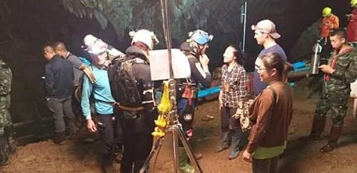 นักดำน้ำ ถ้ำหลวง แฟน คนไทย เชียงราย_rickamp2